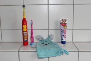 Kinderzahnbürsten, Waschhandschuh & Kinderzahnpasta von Ariane
