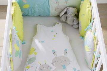 Babybettumrandung aus reiner Baumwolle grün/weiß Größe 180X30 von vertbaudet