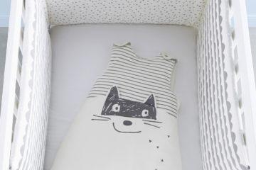 Bettumrandung fürs Babybett wollweiß/anthrazit Größe 180X40 von vertbaudet