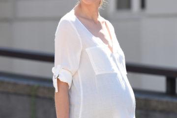 Bluse für Schwangerschaft und Stillzeit weiß