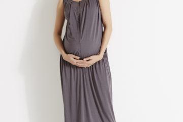 Langes Kleid für Schwangerschaft und Stillzeit anthrazit