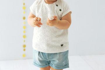 Mädchen T-Shirt mit Lochstickerei wollweiß