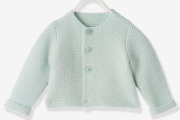 Strickjacke für Neugeborene zartgrün